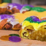 Cartozzo's Caramel Apple King Cake